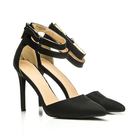 Fashionable High heels pumps in black leather and with a double ankle strap.