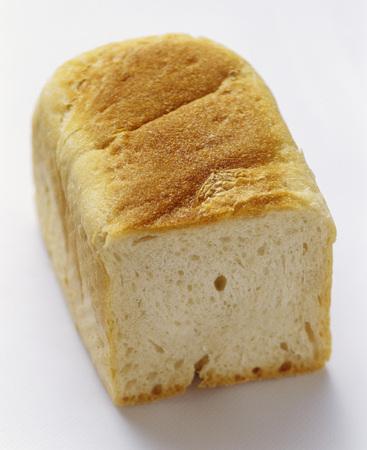 pain blanc: Partiellement tranches miche de pain blanc