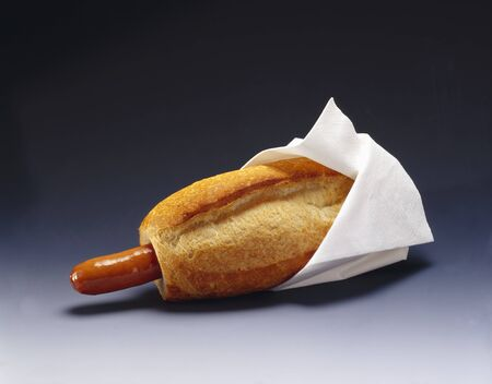 wienie: Hot dog with white napkin LANG_EVOIMAGES