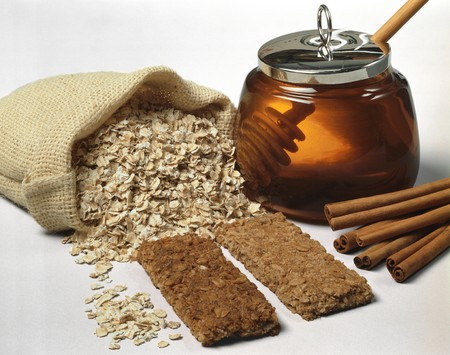 cinammon: Still life with rolled oats. flapjacks. cinnamon and honey