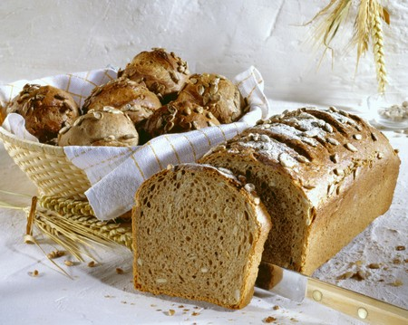 secale: Oat. rye and wheat bread and bread rolls LANG_EVOIMAGES