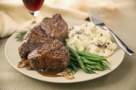 bobby: Lamb Chops with Gravy. Green Beans and Mashed Potatoes LANG_EVOIMAGES