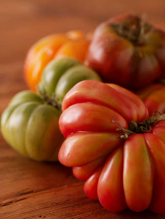 fluted: Various Heirloom Tomatoes LANG_EVOIMAGES