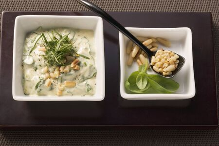 pine kernels: Mayonnaise with basil and pine nuts