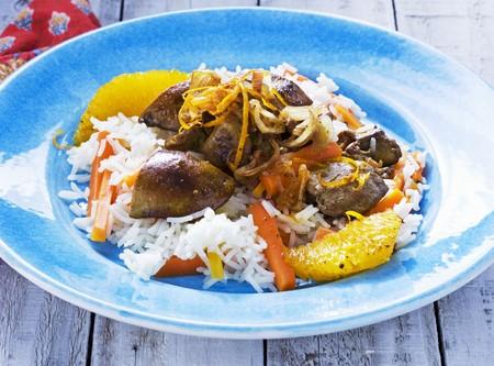higado de pollo: Tibia ensalada de h�gado de pollo con arroz, zanahorias y naranjas