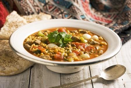garbanzos: Harira (sopa de Cuaresma, Marruecos) con carne de cordero, garbanzos, saffran y tomates LANG_EVOIMAGES