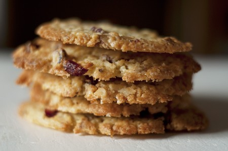 vaccinium macrocarpon: A stack of walnut and cranberry biscuits