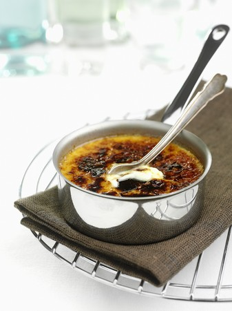 free me: Creme brulee in a pot