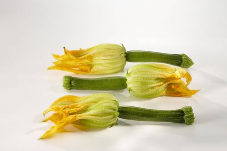 cocozelle: Three courgette flowers