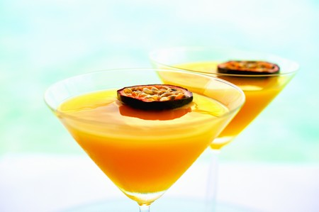 champers: Summerstar Martinis with passion fruit and champagne