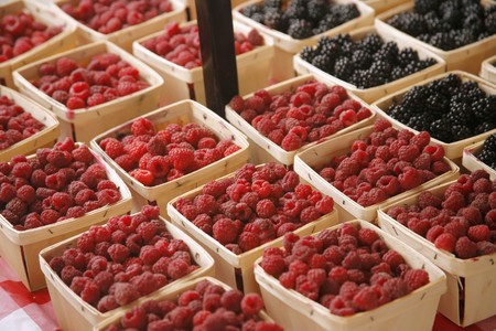 brambleberries: Organic Raspberries and Blackberries at Farmers Market