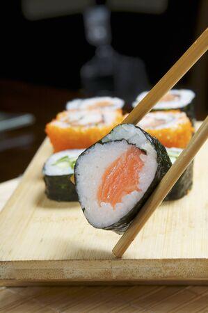 maki sushi: Maki sushi lieu � baguettes