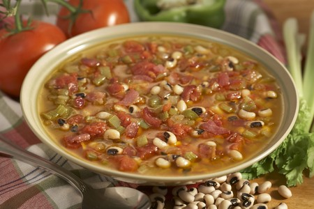 snap bean: Bowl of Vegetable Soup
