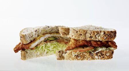 revestimientos: Un s�ndwich schnitzel, reducido a la mitad