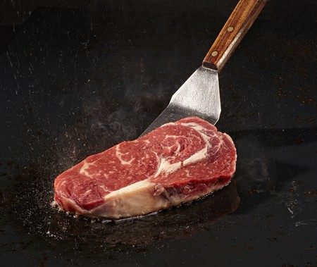 beefsteak: Frying beefsteak