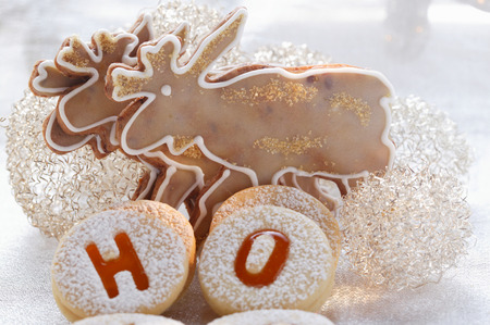 jam biscuits: Cioccolato alce biscotti e marmellata Spitzbuben (biscotti)