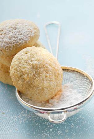 sucre glace: Biscuits �ponge avec le sucre glace