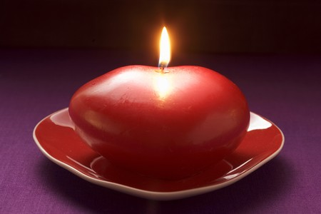 Red candle for Valentines Day LANG_EVOIMAGES