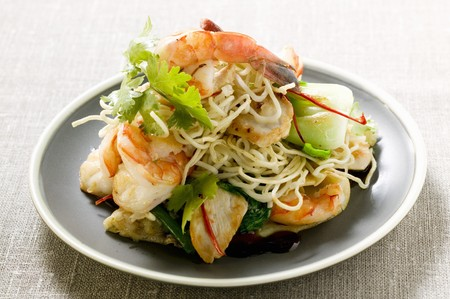 goreng: Bami Goreng with shrimps and chicken (Indonesia) LANG_EVOIMAGES
