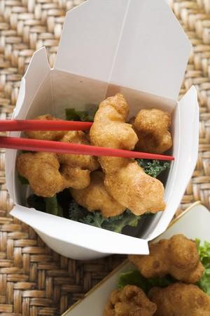 nuggets de poulet: Nuggets de poulet asiatiques � emporter