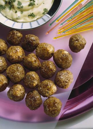 amuse: Almond meatballs with mayonnaise
