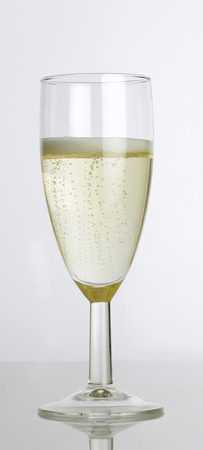 champers: A glass of champagne LANG_EVOIMAGES