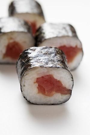 maki sushi: Maki sushi au thon LANG_EVOIMAGES