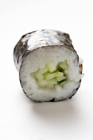 maki sushi: Maki sushi avec concombre