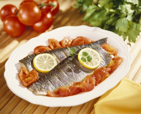 salmo trutta: Steamed trout with tomatoes