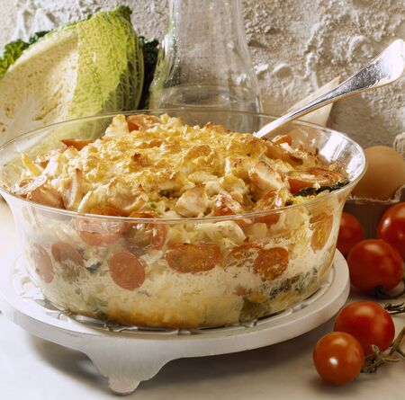 savoy cabbage: Chicken and savoy cabbage bake LANG_EVOIMAGES