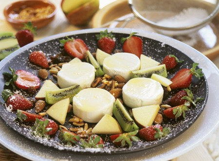 mel: Mel i mat� (Soft cheese with honey, nuts, fruit, Spain)