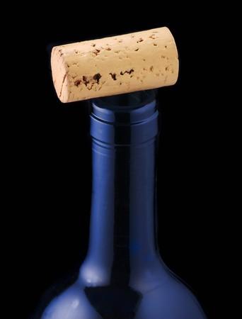 bottleneck: Wine cork on bottleneck LANG_EVOIMAGES
