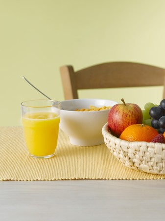 cornflakes: Still life with juice, fruit and cornflakes LANG_EVOIMAGES