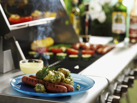 grilled sausages: Grilled sausages with dill potatoes