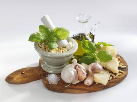 pine kernels: Pesto ingredients