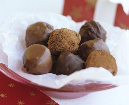 trufas de chocolate: Trufas de chocolate hechas en casa
