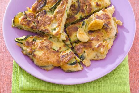 cocozelle: Courgette omelette with garlic