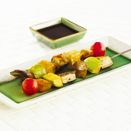 qs: Vegetable kebabs with soy sauce LANG_EVOIMAGES