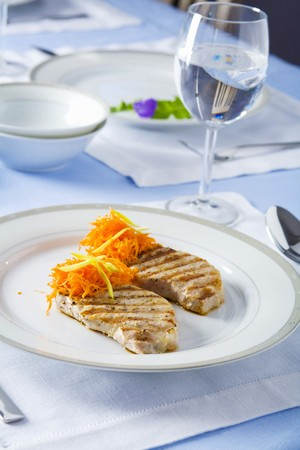 qs: Grilled pork loin chops with grated carrots
