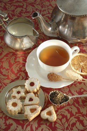dodgers: Tea with sugar crystals and biscuits