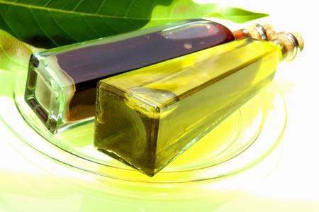 in twos: Balsamic vinegar and olive oil LANG_EVOIMAGES