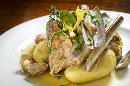 fricassee: Wild rabbit fricassee and mussels with boiled potatoes LANG_EVOIMAGES