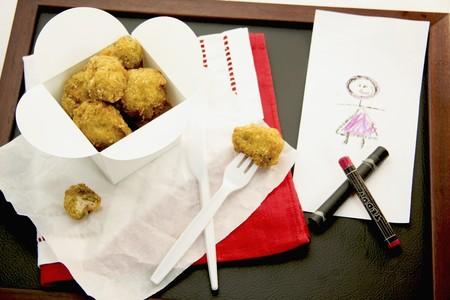 nuggets de poulet: Nuggets de poulet dans une bo�te � emporter LANG_EVOIMAGES