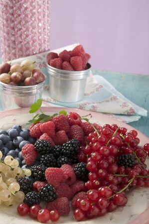 brambleberries: Mixed berries on a plate