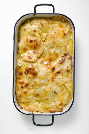substantial: Potato gratin in roasting tin