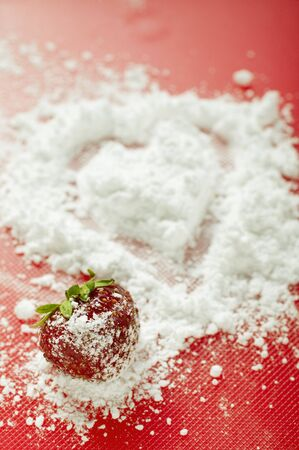 fragaria: Strawberry with icing sugar