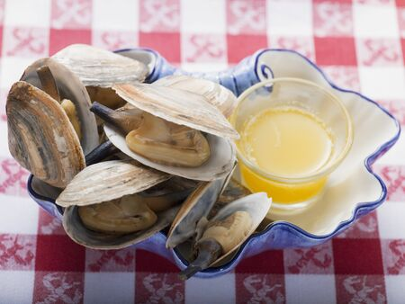 substantial: Steamed clams with butter sauce LANG_EVOIMAGES