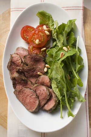 substantial: Beef with spinach, pine nuts and tomatoes