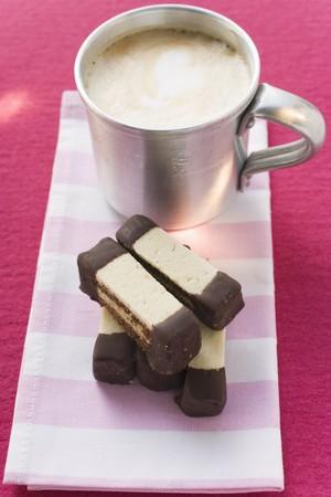 revestimientos: El chocolate en capas y los dedos lisos con caf�