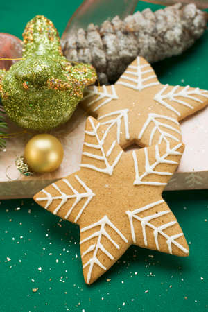 christmassy: Christmassy gingerbread stars on box